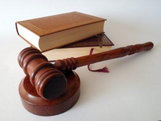 Absurdní zákony, které jsou stále uvedené v platnost